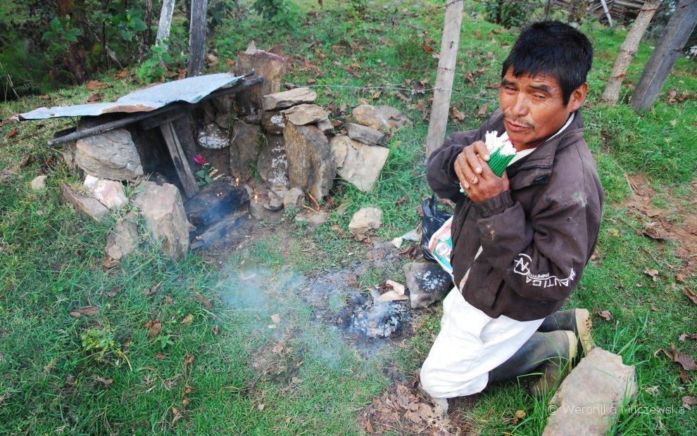 szaman majański, chaman w górach Trójkąta Ixil, Gwatemala, fotografie: Weronika Mliczewska